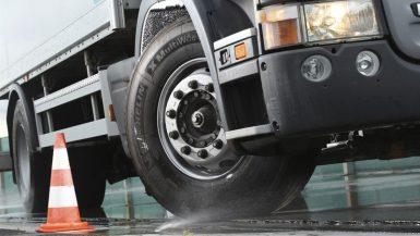 Däckserie för tunga fordon