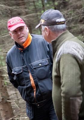 – Det gallras alldeles för hårt, de enda som tjänar på det är de stora skogsbolagen, menar Thomas Leion.