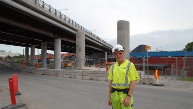 Ny bro på plats med hjälp av spensalva