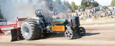 Norrlands starkaste traktor på Mittia Gård & Skog