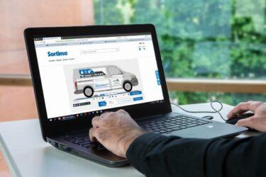 Förvandla bilen till en reklamskylt