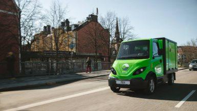 Brings första utsläppsfria ellastbilar rullar i Stockholm