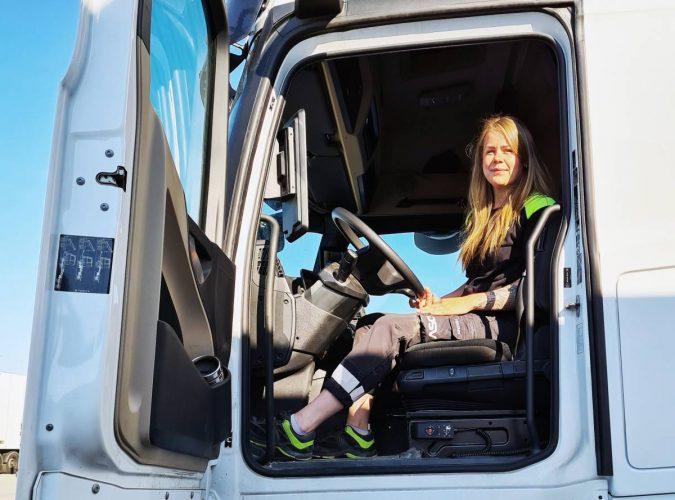 Fler kvinnor behövs i transportbranschen − bra tid att yrkesväxla