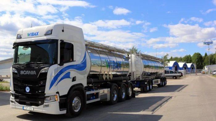 Wibax startar chaufförsskola för yrkesförare av tankbil