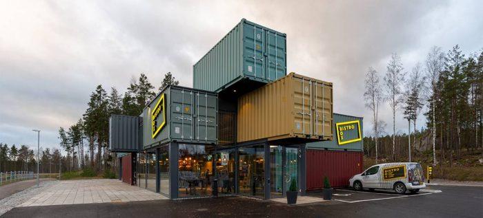Arver Lastvagnar byggde vägkrog av containrar