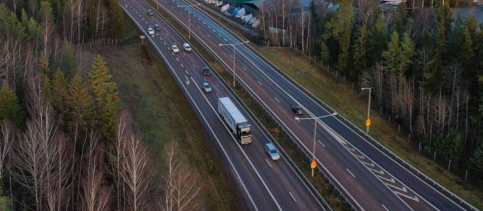 Självkörande lastbilar testas på E4