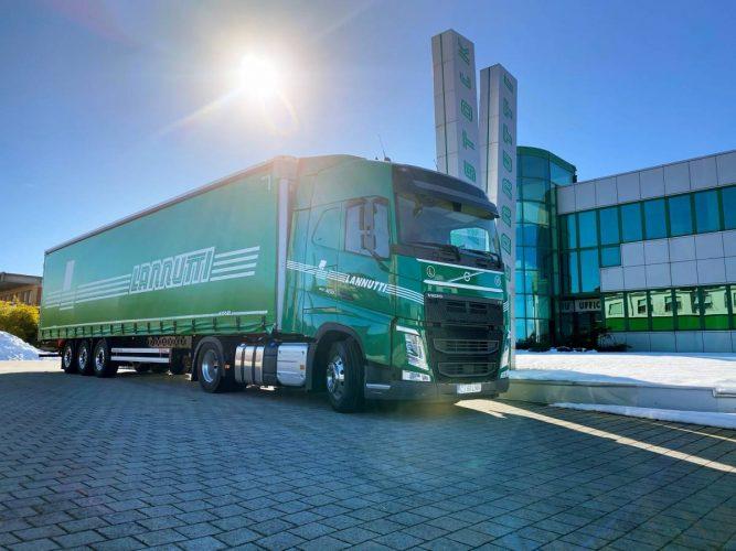 Volvo gör storaffär – 1000 lastbilar till Italien