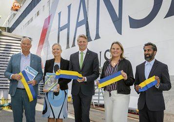 Ny färjelinje ska ta 75 000 lastbilar från land till hav